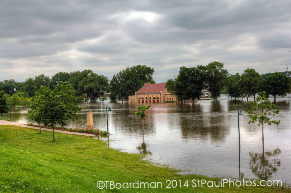 Harriet Island flood 2014