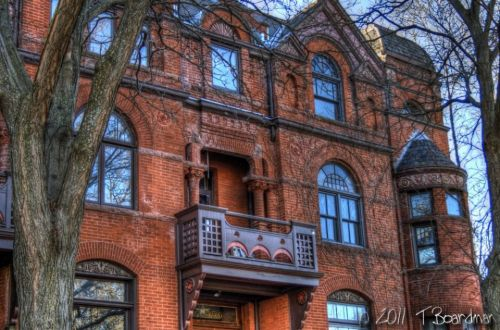 brick and brownstone building